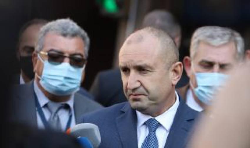 """Румен Радев за казуса """"Петков"""": Решенията на Конституционния съд не се коментират"""
