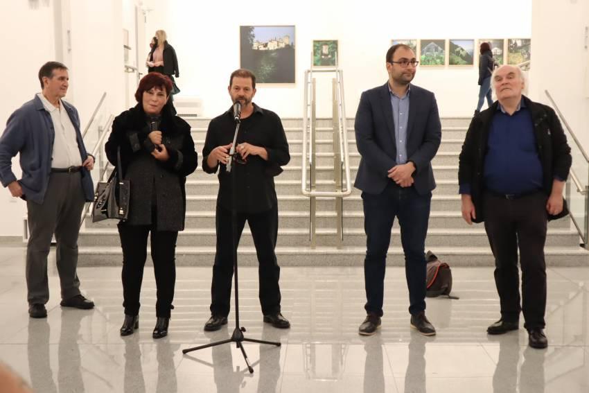 """Откриха впечатляващата изложба на Стратос Калафатис """"Атон – цветове на вярата"""""""