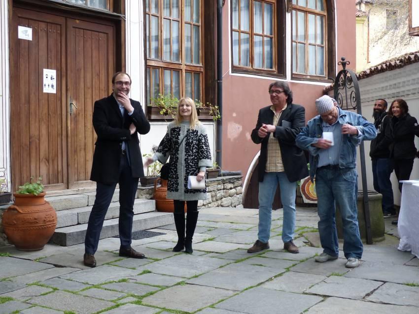 """Пламен Панов връчи три парични награди, осигурени с лични средства на откриването на """"Балкански мостове III"""""""
